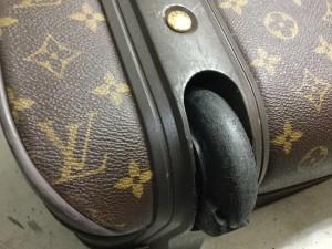 ビトンスーツケース修理