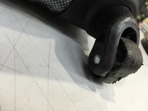 アジアラゲージ キャスタ―修理