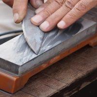 刃物研ぎなら夢工房 | よく切れる包丁で年末年始に料理をしませんか